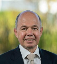 Werner Dyck is sales engineer in Germany.