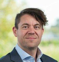 Andreas Dirschl is application engineer