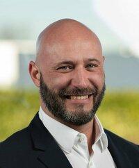Peter Degenhart is sales engineer